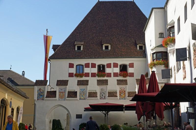 Valentinstag - Verliebt, verlobt, verheiratet in der größten Altstadt Tirols