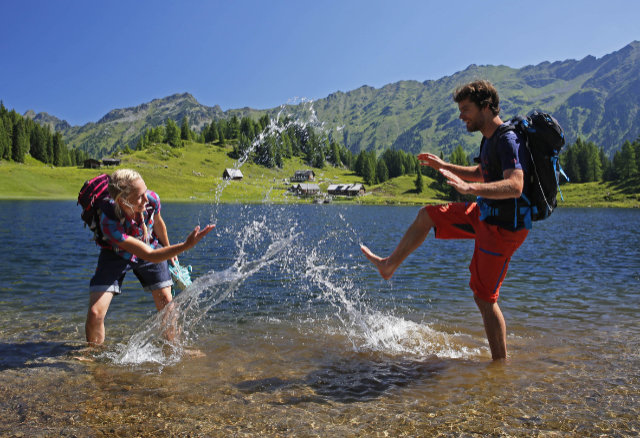 Perfekte Abkühlung beim alpinen Gipfelbaden auf über 1.800 Meter Seehöhe